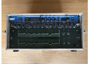LA Audio EQ231G