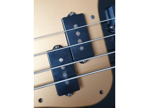 Fender American Deluxe Precision Bass [2003-2009]