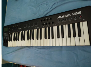 Alesis QX49