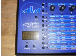 Dave Smith Instruments Evolver (88382)