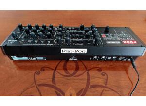 Behringer Pro-800