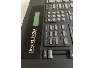Roland R-70 (25162)