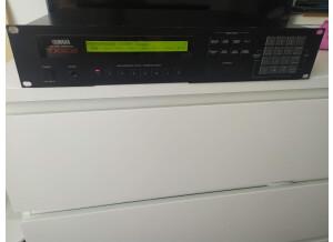 Yamaha DX7 II FD Centennial