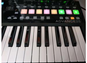 Akai Professional Advance 25