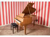 Piano demi-queue Petrof