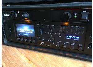Fractal Audio Systems Axe-Fx III (76789)