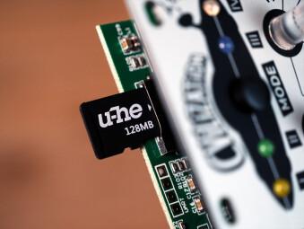 uhe-cvilization-sd-card-reader-closeup