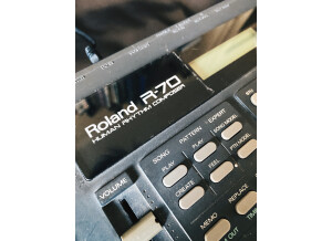 Roland R-70 (55594)