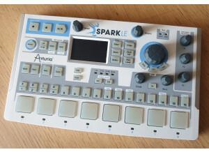 Arturia SparkLE Creative Drum Machine (4177)