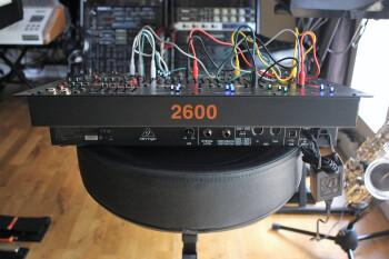 Behringer 2600 : B2600_2tof 09.JPG