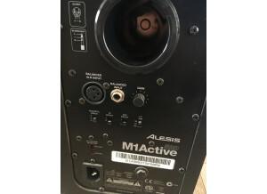 Alesis M1Active 520 (479)