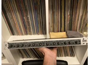 LA Audio EQX2