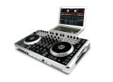 NUMARK N4 - Surfaces de Contrôle MIDI DJ
