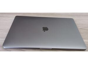 "Apple MacBook Pro 15"" 2GHz"