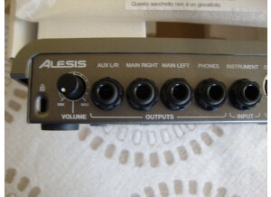 Alesis SR-18 (12441)