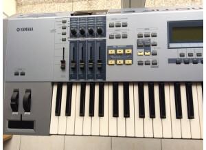 Yamaha MOTIF ES6