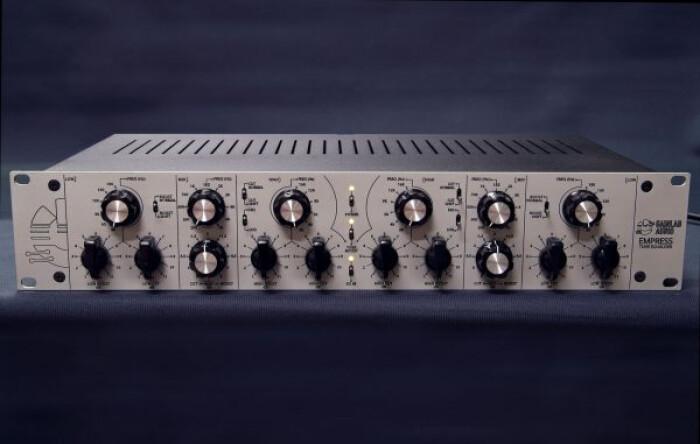 e03-600x381