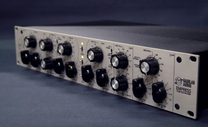 e01-600x368