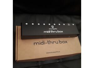 Erica Synths MIDI Thru Box x8