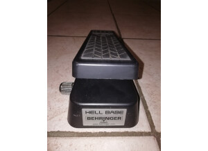 Behringer Hellbabe HB01