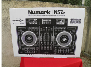 Numark NS7