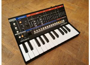 Roland JU-06A (83896)