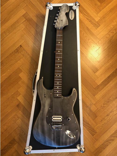Fender Tom Delonge Stratocaster (84063)