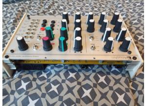 Mutable Instruments anushri eurorack