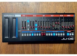 Roland JU-06 (62074)