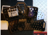 Pedalboard Holeyboard Chemistry Design Werks couleur black vador