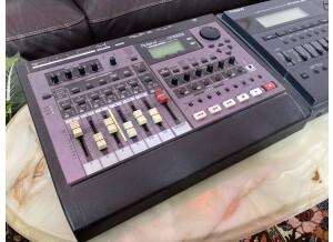 Roland VS-840 GX
