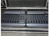 Vends 2 x Surfaces de contrôle Fader BCF2000 B-Control Behringer avec Flycase