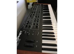Dave Smith Instruments Prophet REV2 16 voix (20055)