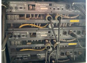 Electro-Voice P2000