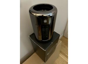 Apple Mac Pro 2013 (68002)
