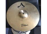 """Vends Zildjian 14"""" A Custom Bottom Hat seulement."""