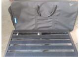 Grenoble/Chambéry Vend Pedaltrain Novo 32 avec sacoche souple. Inclus fixation pour alimentation Voodoo Lab.