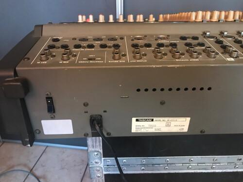 Tascam M-2516 (16551)