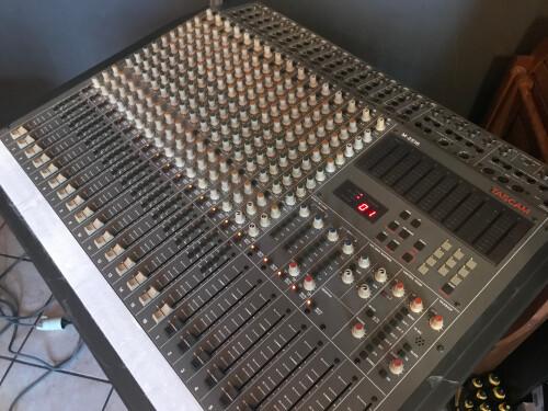 Tascam M-2516 (10790)