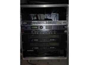 Crown XLS 402