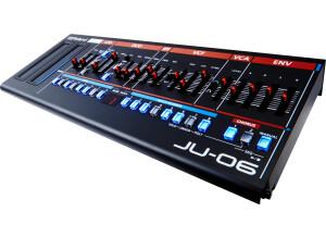 Roland JU-06 (51994)