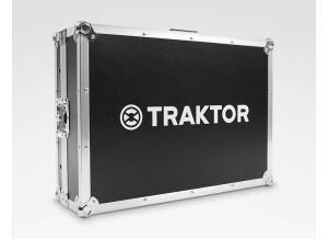 img-packshot-traktor-kontrol-s4-mk3-flight-case-product-finder-fcb71621938adbad4d11b24dac6ed030-d@2x