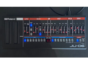 Roland JU-06 (78176)