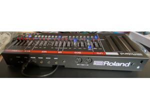 Roland JU-06 (7748)
