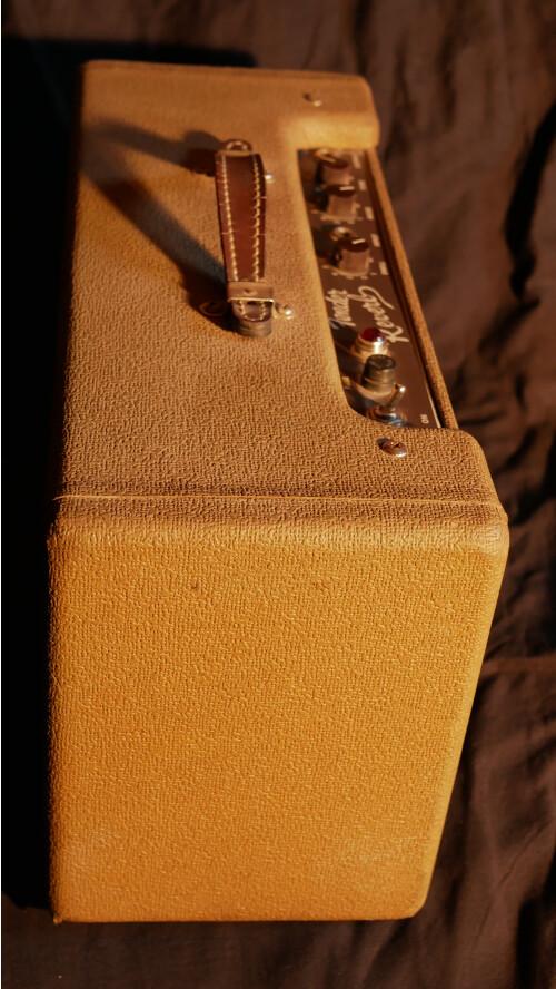 Fender Vintage Reissue '63 Tube Reverb (64725)