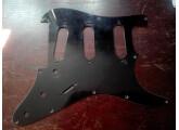 Vends un pickguard Harmony Stratocaster