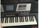 Vends piano Roland VA5 arranger.