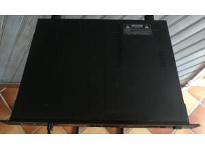 Roland S-330
