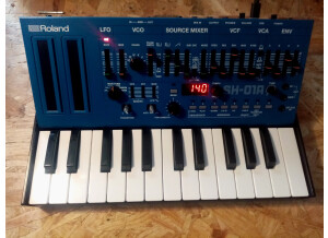 Roland SH-01A (58743)
