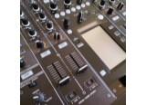 Table de mixage djm 2000 vendu dans sa boîte d'origine